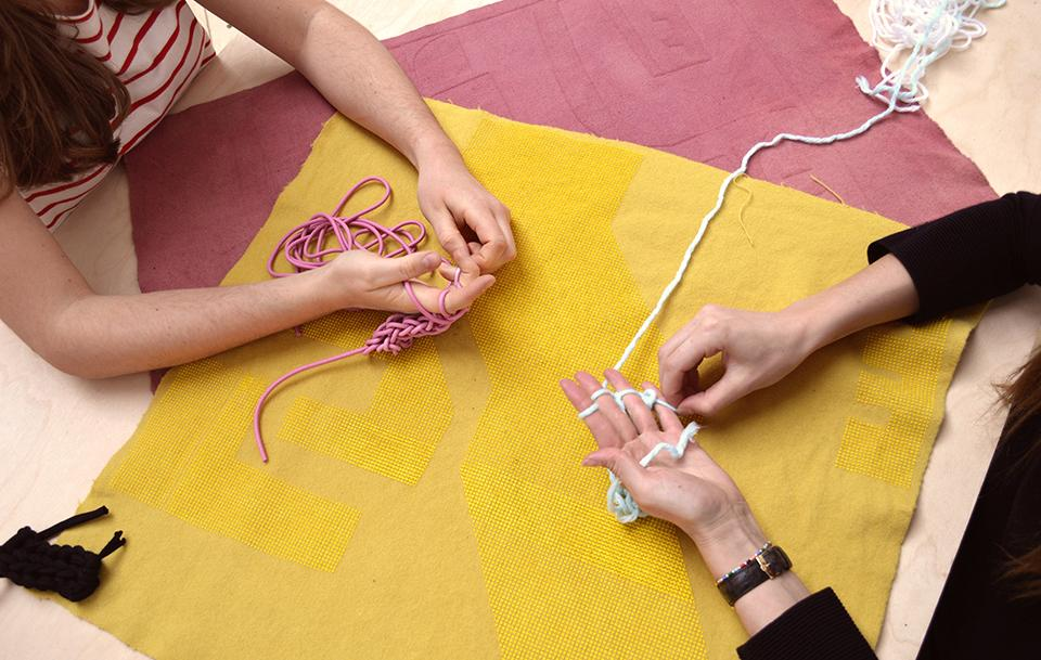 Creating chains out of t shirt yarn