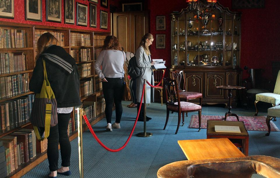 Students in the library at Lauriston Castle
