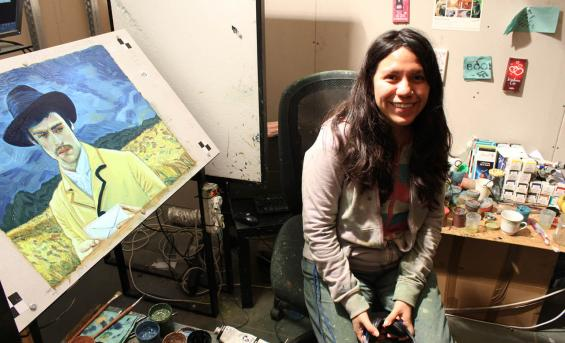 Mayra Hernández Ríos working in the studio